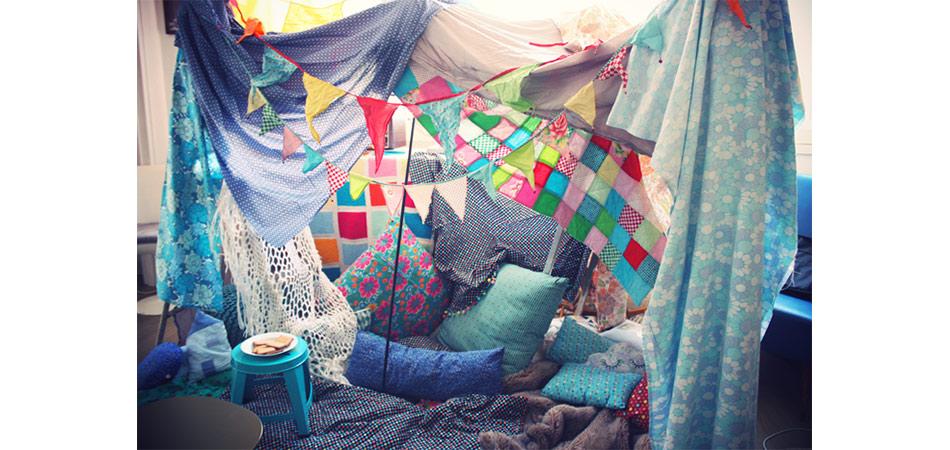 La cabane dans la maison : une activité favorite des enfants les jours de pluie